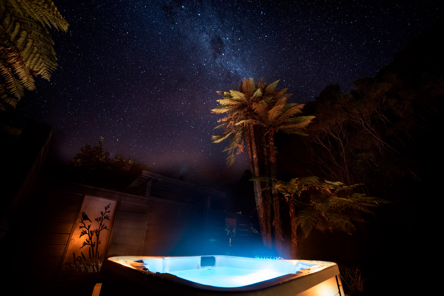 Night sky spa pool at Wairua Lodge